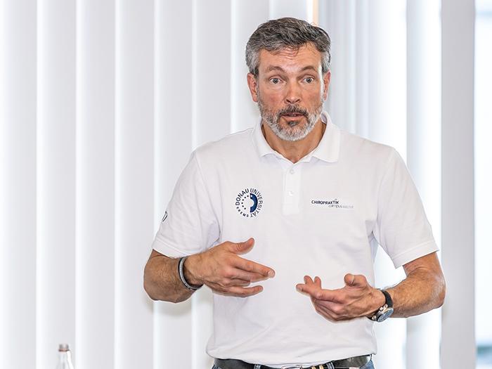 Dozent Jaan-Peer Landmann beim BDH-Arbeitskreis